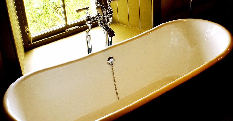 eilean-donan-self-catering-luxury-bath-tub